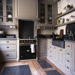 Mooie_landelijke_keuken_in_taupe_kleur_1351528984_van_ces.jpg